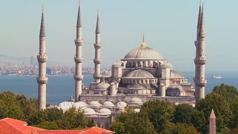 La-Mezquita-Azul-En-Estambul-Turquía