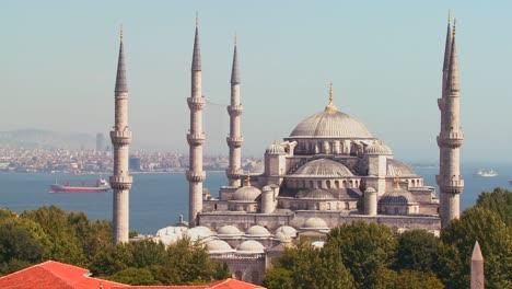 La-Mezquita-Azul-En-Estambul-Turquía-2