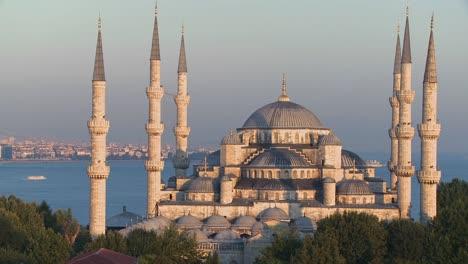 La-Mezquita-Azul-En-Estambul-Turquía-3