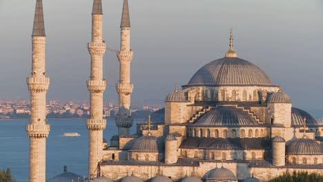 La-Mezquita-Azul-De-Estambul-Turquía-Al-Atardecer