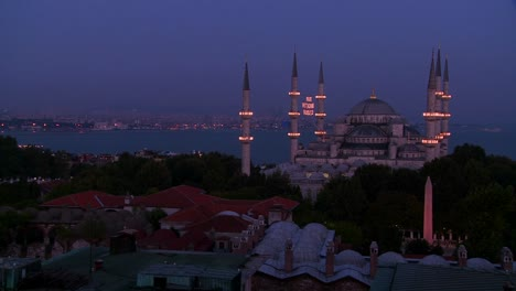 Nighttime-at-the-Blue-Mosque-Istanbul-Turkey