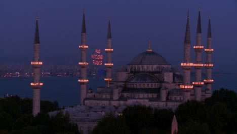 Nighttime-at-the-Blue-Mosque-Istanbul-Turkey-1