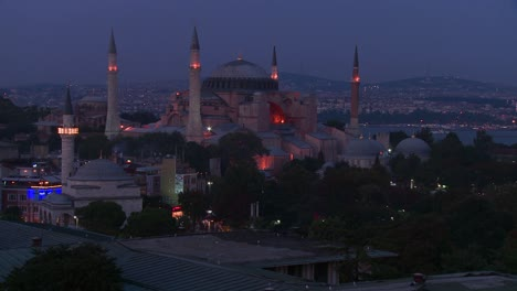 The-Hagia-Sophia-Mosque-in-istanbul-Turkey-at-dusk-or-night
