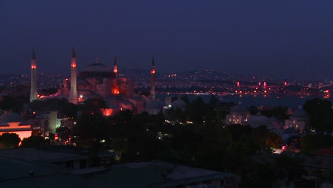 The-Hagia-Sophia-Mosque-in-istanbul-Turkey-at-dusk-or-night-1