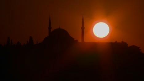Hermosa-Atardecer-Detrás-De-Una-Mezquita-En-Estambul-Turquía-Hermosa-Atardecer-Detrás-De-Una-Mezquita-En-Estambul-Turquía