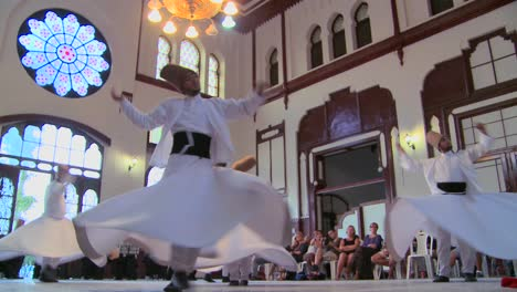 Whirling-dervishes-perform-a-mystical-dance-in-Istanbul-Turkey-2