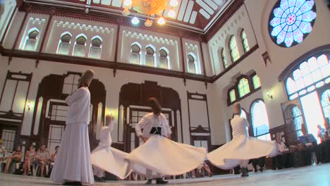 Whirling-dervishes-perform-a-mystical-dance-in-Istanbul-Turkey-4