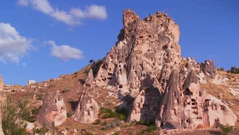 Strange-towering-dwellings-and-rock-formations-at-Cappadocia-Turkey