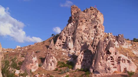 The-strange-towering-dwellings-and-rock-formations-at-Cappadocia-Turkey-1