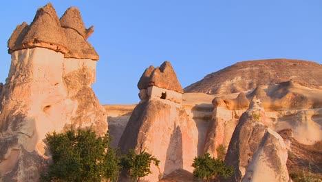 Bizarre-geological-formations-at-Cappadocia-Turkey-1