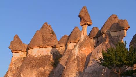 Bizarre-geological-formations-at-Cappadocia-Turkey-2