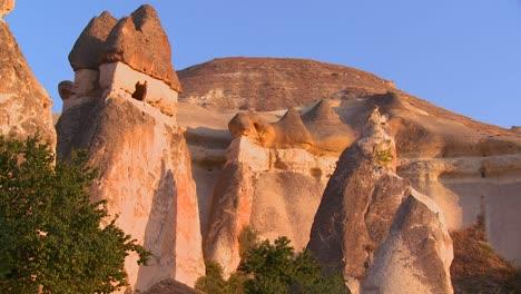Bizarre-geological-formations-at-Cappadocia-Turkey-3