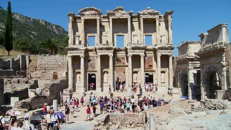 Tourists-walk-down-the-main-thoroughfare-at-Ephesus-Turkey