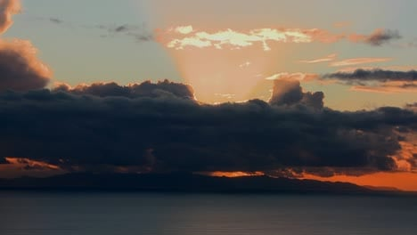 The-sun-sets-behind-the-clouds-over-the-Channel-Islands-in-Southern-California