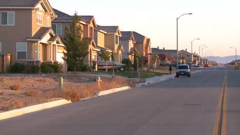 Tract-homes-line-a-street-in-a-suburban-sprawl-community-near-Palmdale-California