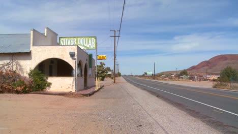 Eine-Alte-Bar-Oder-Ein-Diner-Sitzt-In-Der-Mojave-Wüste
