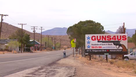 Guns-are-sold-along-a-desert-highway-in-America