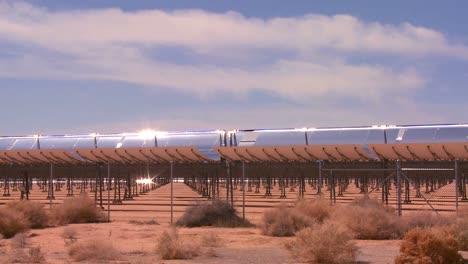 A-solar-farm-in-the-desert-generates-electricity