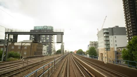 DLR-Train-Moving-00