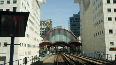 DLR-Train-Moving-06