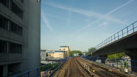 Dlr-Tren-En-Movimiento-10