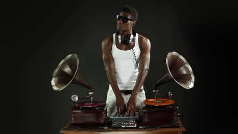 Man-DJ-11