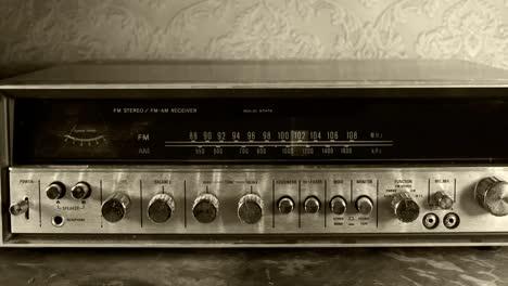 Wallpaper-Radio-02