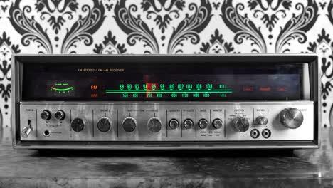 Wallpaper-Radio-13