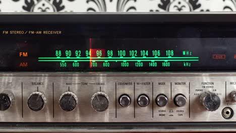 Wallpaper-Radio-14
