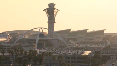 Establishing-shot-of-Los-Angeles-International-airport-dusk