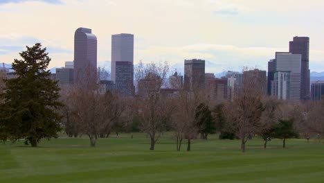 The-Denver-skyline-against-the-Rocky-mountains