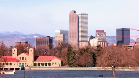 The-Denver-Colorado-skyline-in-beautiful-light-1