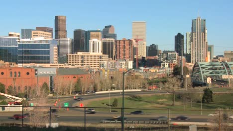 The-skyline-of-Denver-Colorado-skyline-ion-a-sunny-day-2