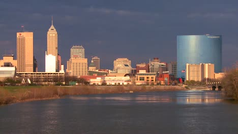 The-city-of-Indianapolis-at-dusk-along-the-White-River-3