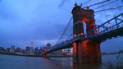 A-beautiful-night-shot-of-Cincinnati-Ohio-1