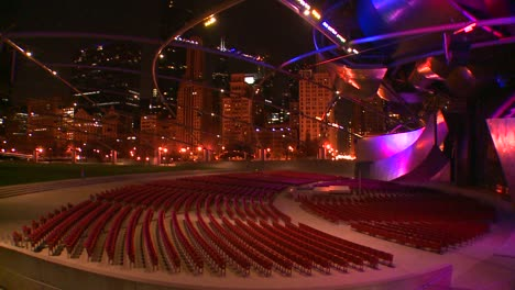 Nighttime-shot-of-the-Jay-Pritzker-Pavilion-in-Chicagos-Millennium-park-1