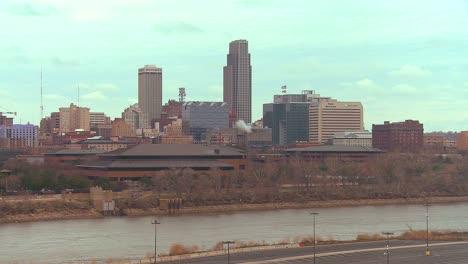 Omaha-Nebraska-skyline-by-day