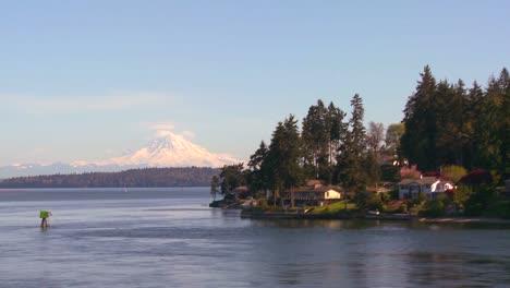 Shot-of-Bainbridge-Island-Washington-from-the-Seattle-ferry-boat-1