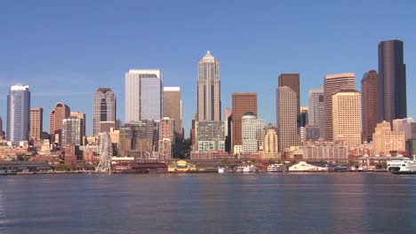 The-city-of-Seattle-as-seen-from-the-ferry-approaching-1