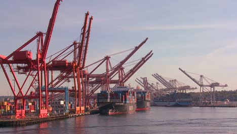 The-city-of-Seattle-harbor-and-port