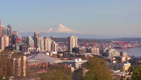 Panning-shot-of-the-Seattle-skyline-on-a-beautiful-clear-day
