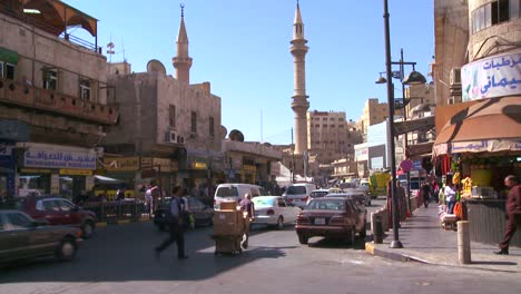Street-view-of-pedestrian-and-vehicle-traffic-in-Amman-Jordan