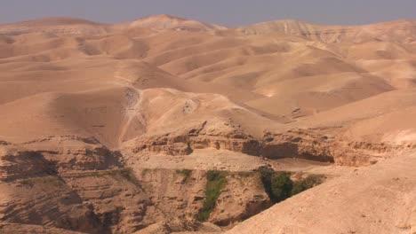 Pan-across-the-barren-Judean-Hills-of-Israel