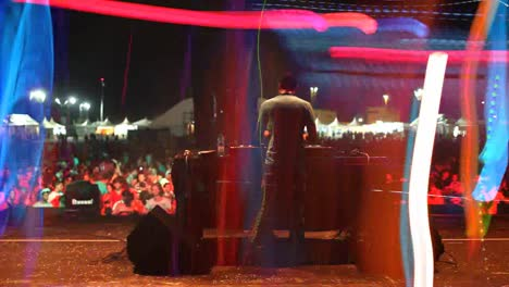 Dj-Playing-Festival-13