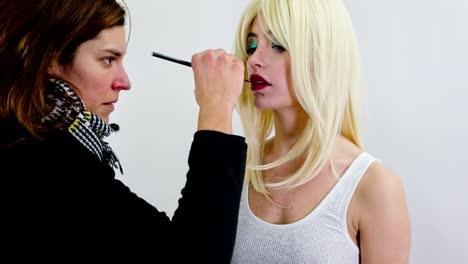 Woman-Makeup-02