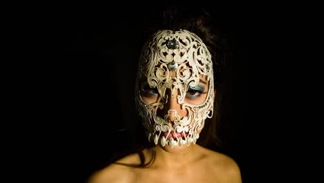 Woman-Dancing-with-Skull-04