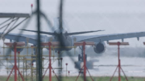 Barcelona-Airplane-Landing-00