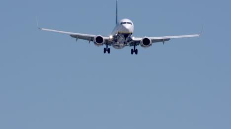 Barcelona-Airplane-Landing-03