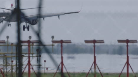 Barcelona-Airplane-Landing-05