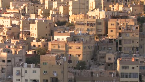 Houses-cluster-together-on-the-hillsides-of-Amman-Jordan-2